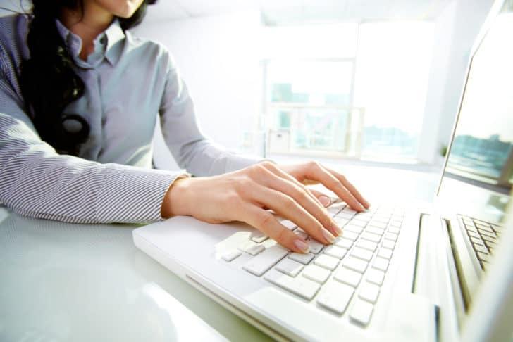 Webライター初心者が初月5万は難しい?初心者時代の収入を公開します【現実】
