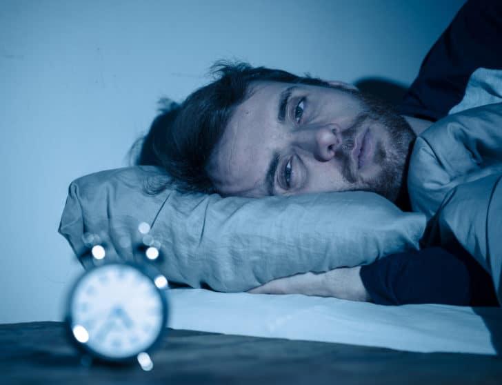 起業リスクは金よりうつ病!精神的辛い時期を乗り越える方法6選を実体験から解説